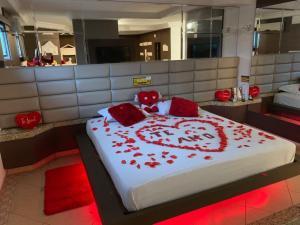 Suítes decoradas no Motel Capri – Gaspar & Blumenau