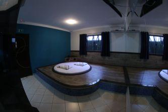 motelpousadalumiere_apartamento-simples-azul_01