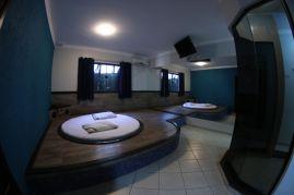 motelpousadalumiere_apartamento-simples-azul_03