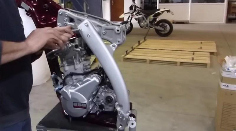Cómo se monta una moto nueva