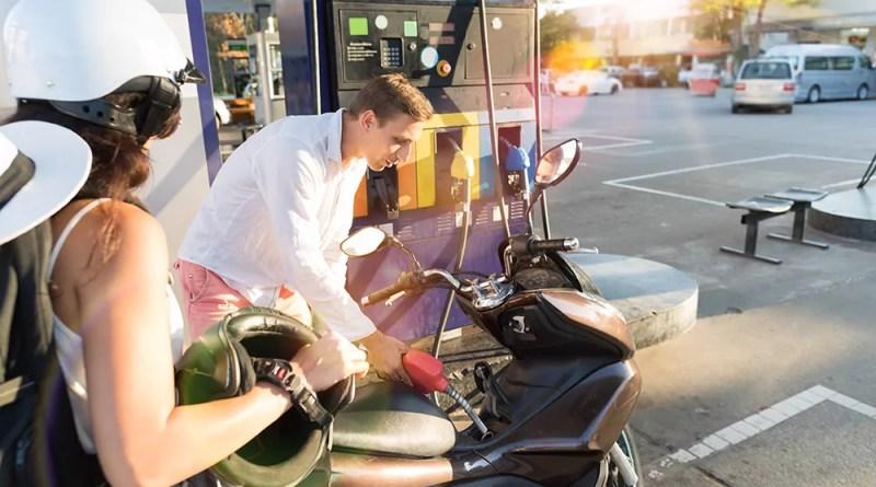 5 consejos para ahorrar gasolina en moto