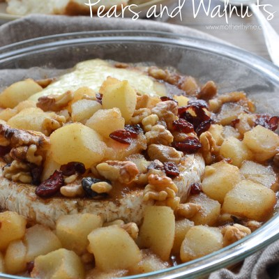 Baked Brie with Pears and Walnuts