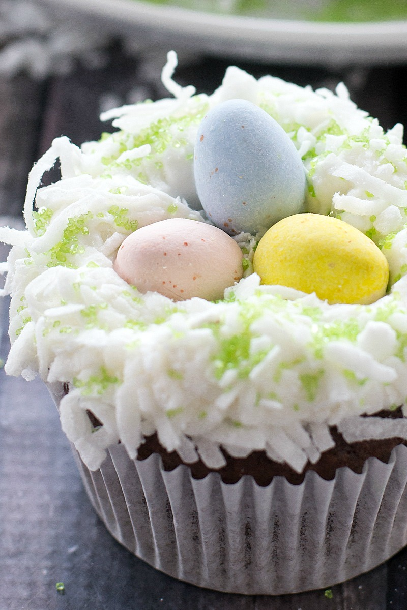 Easter Cupcakes | www.motherthyme.com