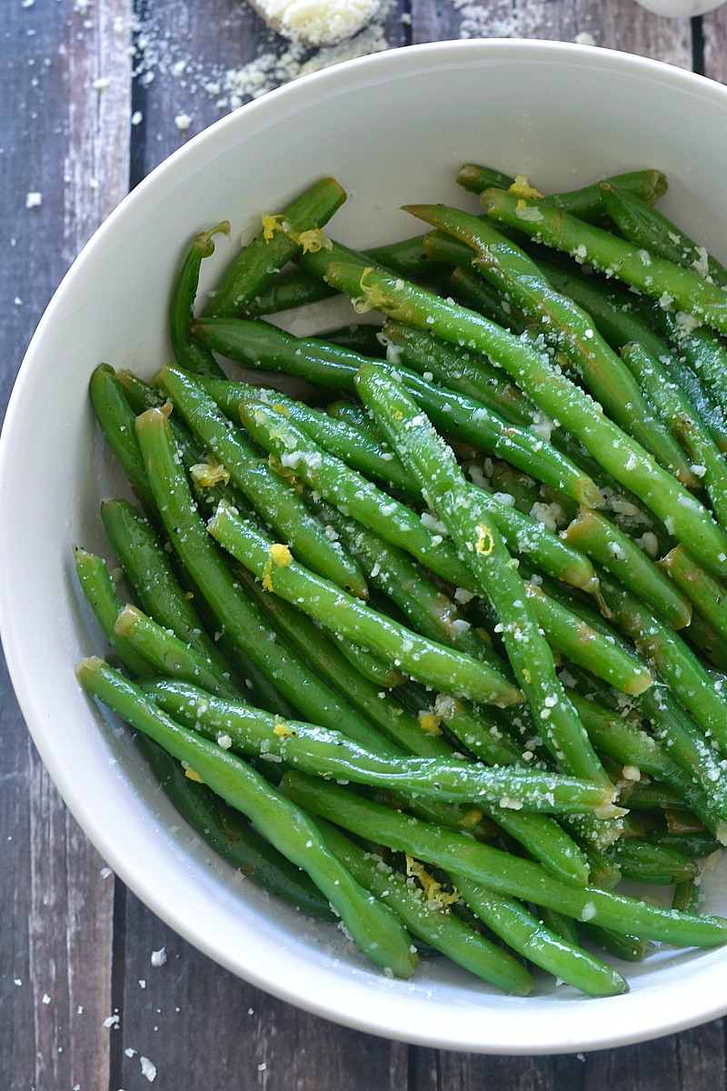 Lemon Butter Green Beans with Garlic and Parmesan | www.motherthyme.com