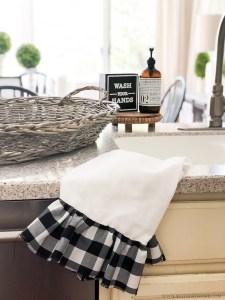 HOW TO MAKE A BUFFALO CHECK RUFFLED TEA TOWEL