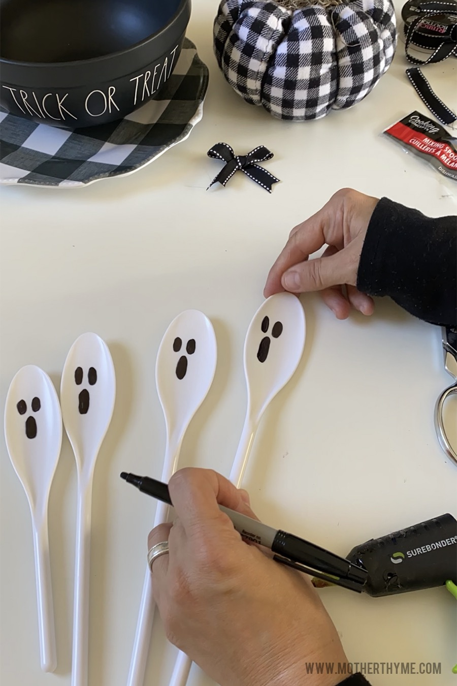 DIY GHOST MIXING SPOONS