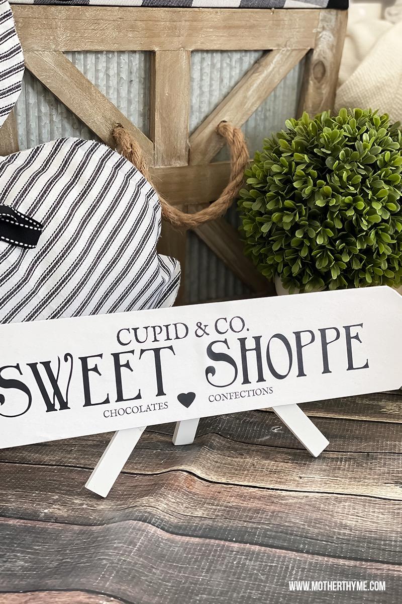 CUPID & CO. SWEET SHOPPE ARROW