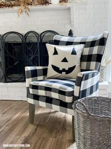 Easy DIY Jack O Lantern Pillow