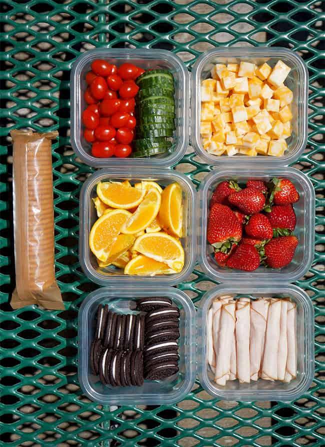 home picnic Tupperware transport