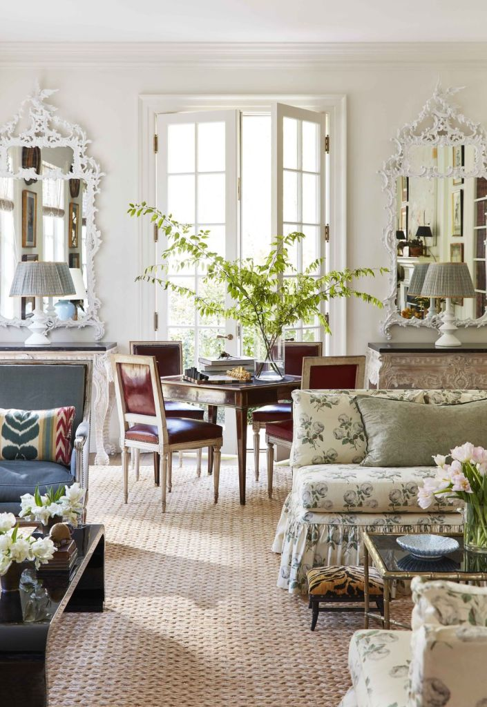 traditional living room of home tour Caroline gidiere