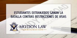 Gobierno de Trump rescinde restricciones a visas estudiantiles