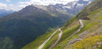 Bergtraining in de legendarische Dolomieten Bergtraining Motortraining Bochtentraining Training Motorrijden Rijvaardigheid Motor Motorreizen Moto Maestro Dolomieten Bergpas