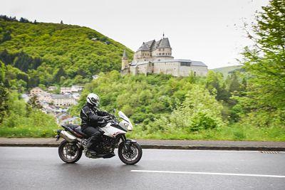 bergtraining op de motor in luxemburg. Moto Maestro Motortrainingen
