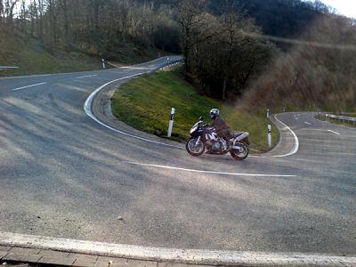 Motorrijden in de Taunus en de Eifel. Moto Maestro Motortrainingen