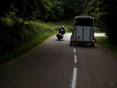 Afstand houden. Ruimtekussen - Moto Maestro Motortrainingen.