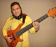 渡辺 建 (Bass)
