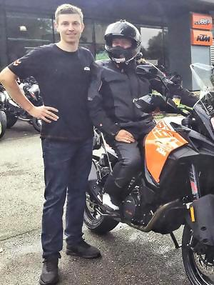 ensemble moto route KTM pantalon et veste