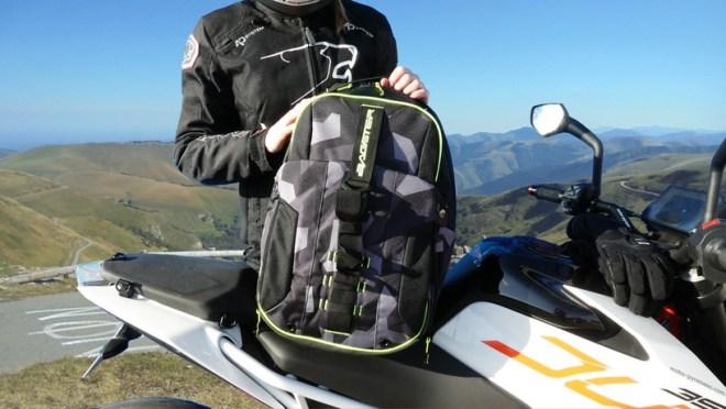 Bagster sac moto avec compartiment pour casque