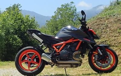 La vue de la moto avant la pose du kit