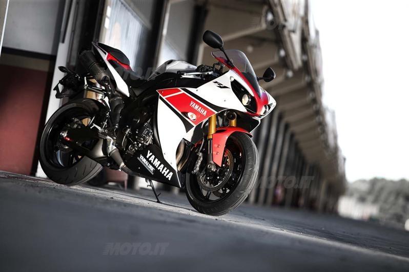 Prova Yamaha YZFR1 2012  Prove  Motoit
