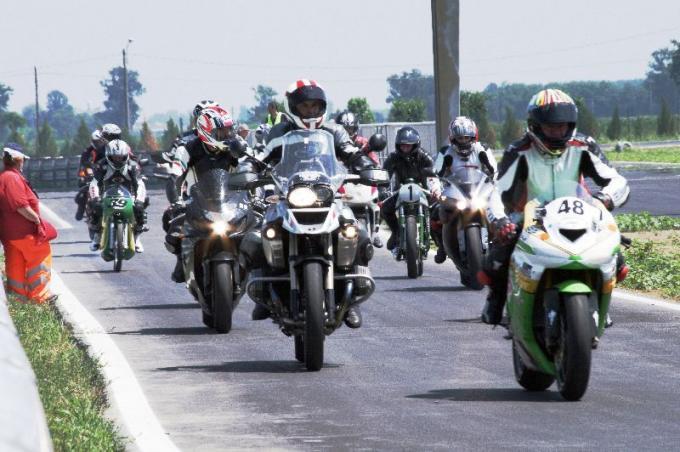 Giugno 2012 – il MOTO CLUB TORRAZZO in pista a San Martino del Lago