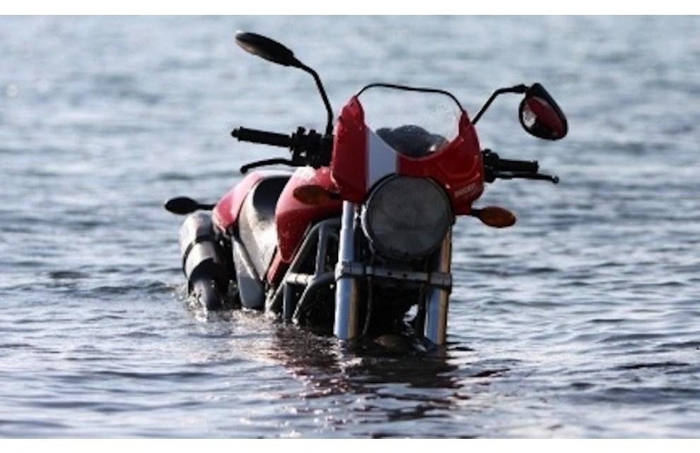 La moto in Estate. Pro e contro della bella stagione.
