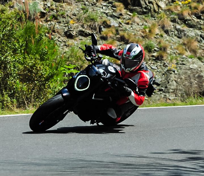Prova Ducati Monster 2021, mito perso o ritrovato? ecco come va la Piccola naked da sparo.