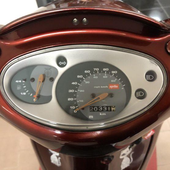 Scarabeo-100-scooter-aprilia
