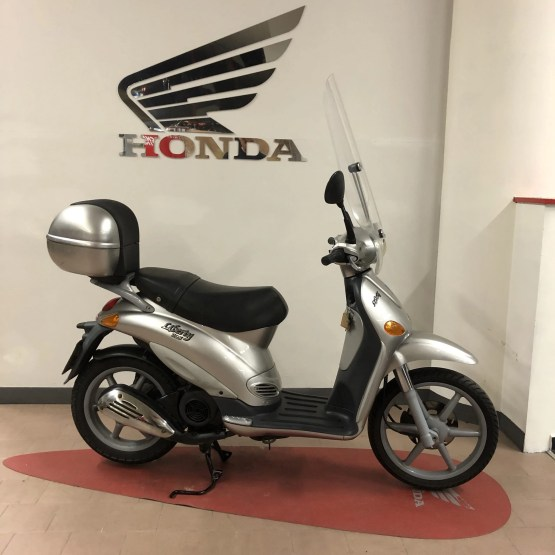 Liberty 125 scooter
