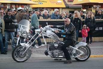 Motos customizadas são maioria por lá...