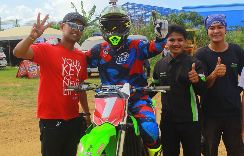 "Glenn ""The Goat"" Aguilar after winning the last race of the Pro Open category"