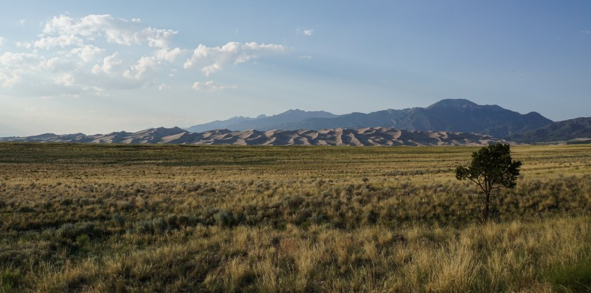 Sanddunes and mountains, what a view