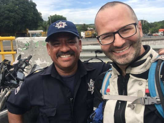 motophil-mexico-cops-adventure