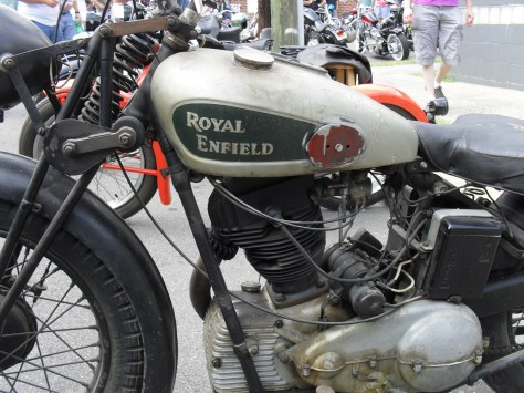 35 Royal Enfield 500