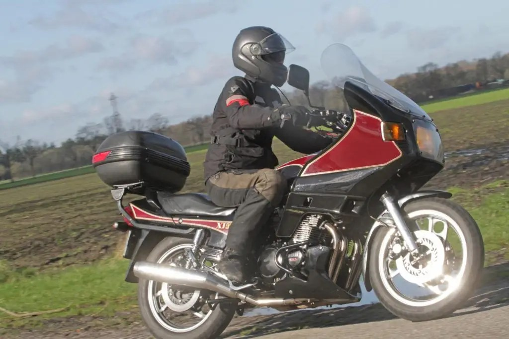 Yamaha XJ900N Rijdend