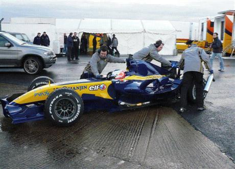 Renault R27 ¡cazado!