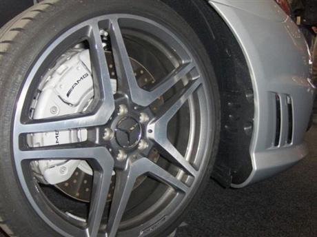 Despejada la incógnita, Mercedes CL 65 AMG bajo la manta