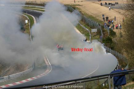 Audi RS8 en llamas