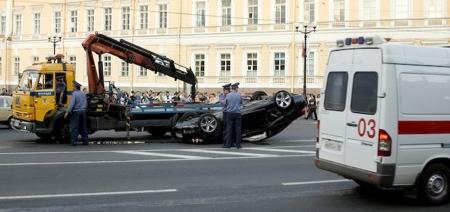"""Dolor: BMW 335i """"mirando al cielo"""""""