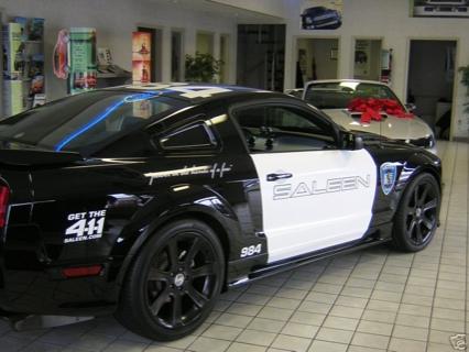 Réplica del Mustang Barricade de Transformers, a la venta en eBay