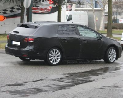 Toyota Avensis familiar, fotos espía
