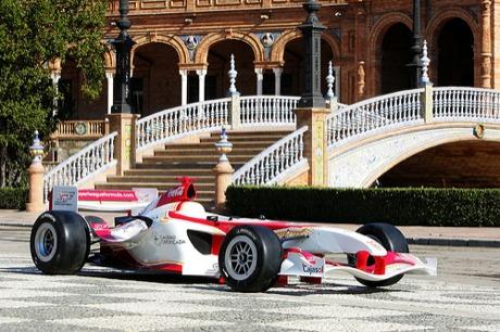 El Sevilla C.F presenta su monoplaza para la Superleague Formula