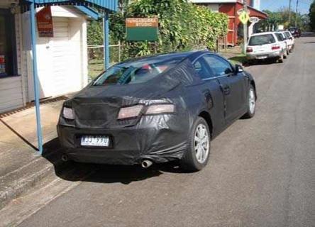 Renault Laguna Coupé y el nuevo Renault Mégane cazados en Australia