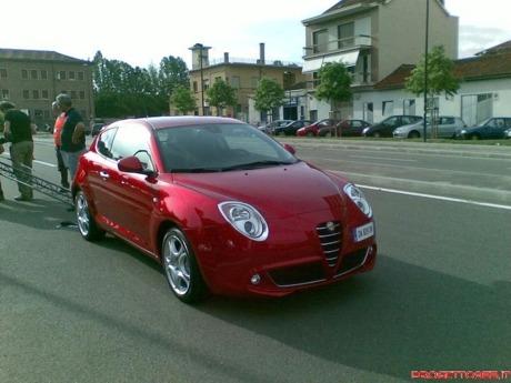 En blanco y Rosso: nuevo Alfa Mi.To, en la calle
