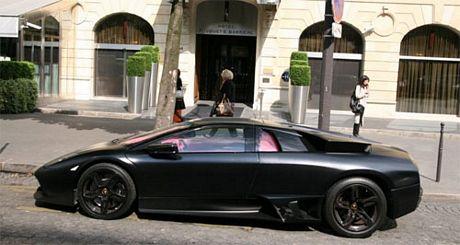 Lamborghini Murciélago negro mate e interior ¡rosa!