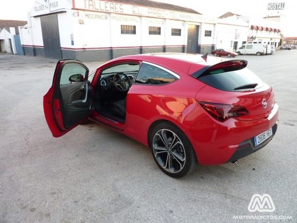 Prueba Opel Astra GTC 1.6 Turbo 180 caballos (Parte 1)