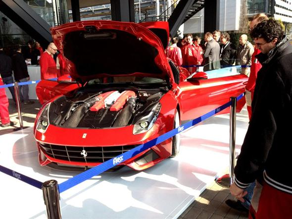 first_live_pictures_ferrari_f12_berlinetta_002