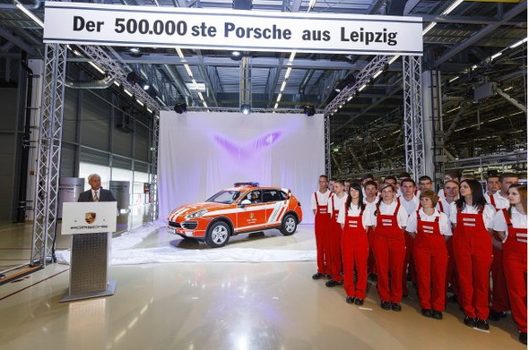 porsche-cayene-is-500000th-vehicle-built-at-leipzig-facility_100394533_m