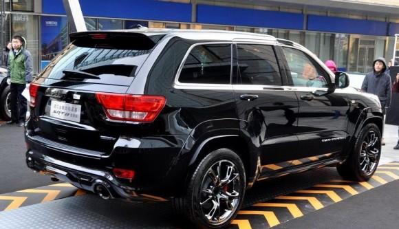 Jeep Grand Cherokee SRT8 Hyun Black Edition