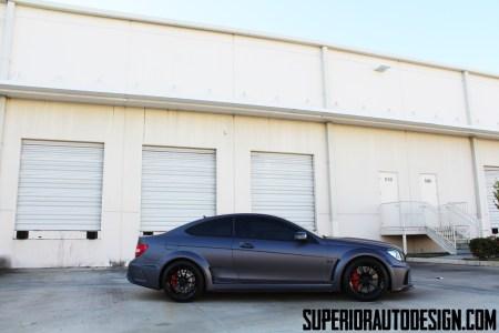 Mercedes C63 AMG Black Series por Superior Automotive Design